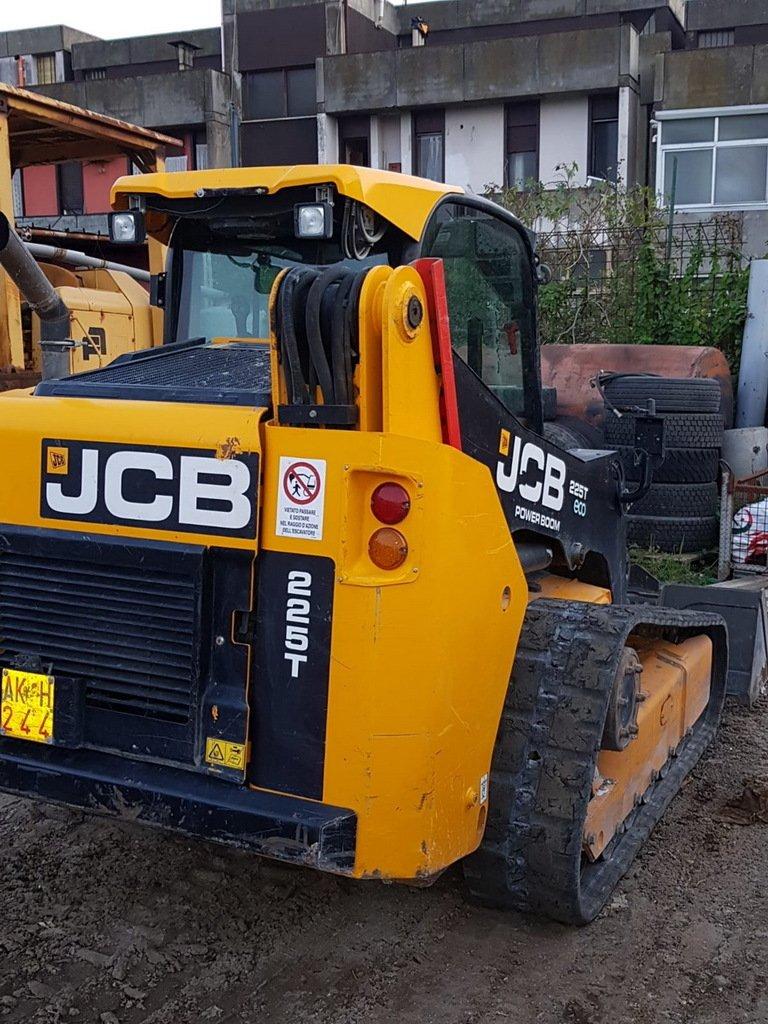 JCB 225T